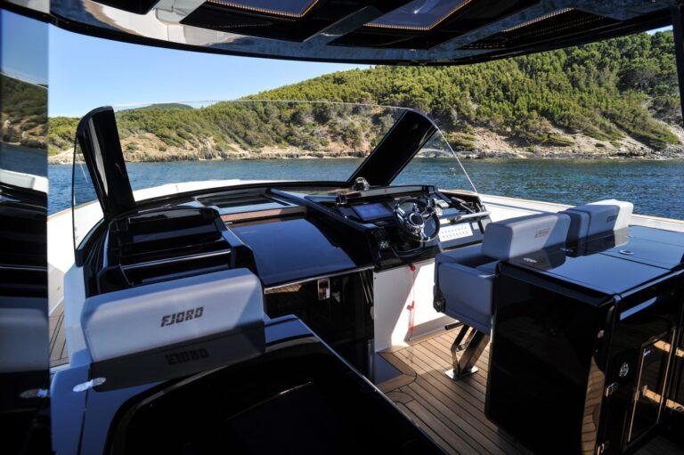 l ete arrive le fjord 48 et le fjord 40 prennent le large 1374